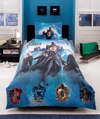 lenjerii de pat pentru copii litere stacojii. Black Bedroom Furniture Sets. Home Design Ideas
