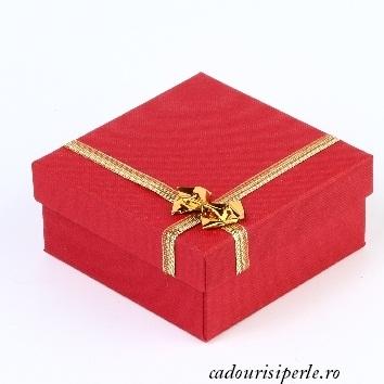 cutie rosie cu auriu