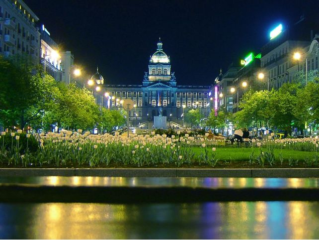 Wenceslas_Square