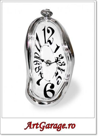 ceas-scurgerea-timpului-salvador-dali-liquid-time-400x500
