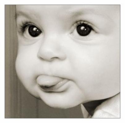 copil-cu-limba-afara-236